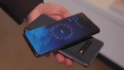 How to Use the Wireless PowerShare Feature of Galaxy S10 2